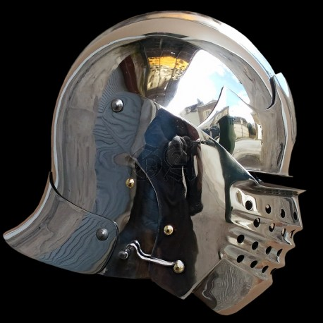 Bellows face sallet : ordinary soldier polishing
